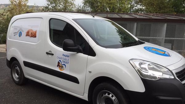 Yorkshire Cat Rescue van supported by Petplan